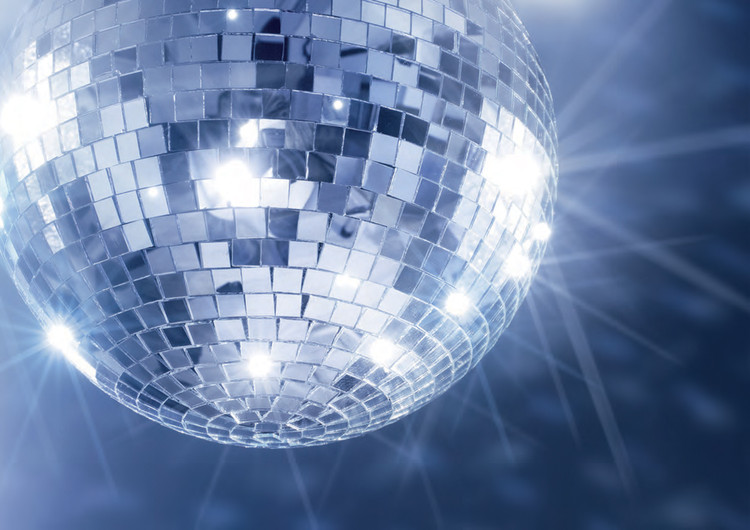For the Family Sunday Disco Lunch our Bar opens at 11.30am and seating is from 12.15pm. Disco until 3.30pm.